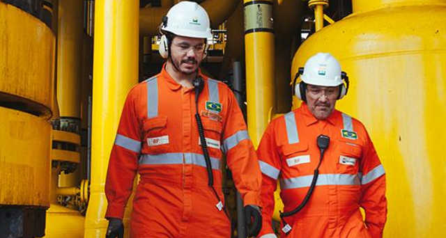 Aumento dos preços internacionais do petróleo favorece lucro líquido da Petrobras