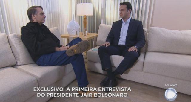 Resultado de imagem para entrevista de bolsonaro ao vivo na record