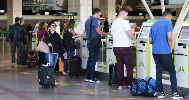 Resultado de imagem para Brasil recebe primeiros turistas com isenção de visto