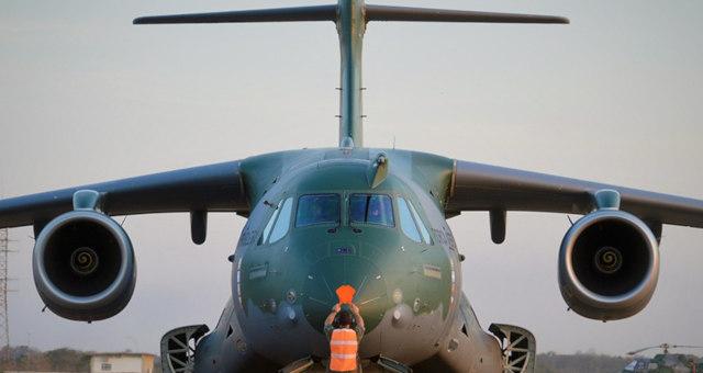 Avião aeronáutica