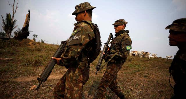 Soldados do Exército Amazônia