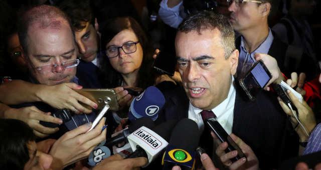 CEO da Shell, André Araújo, fala com a imprensa após leilão da cessão onerosa no Rio de Janeiro
