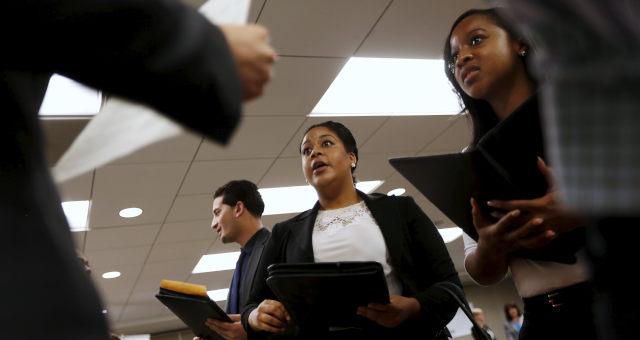 Pessoas à procura de emprego em São Francisco, Califórnia (EUA)