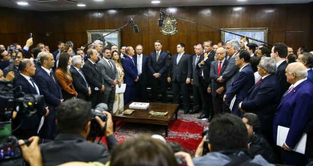 Jair Bolsoanaro Davil Alcolumbre Pacto federativo