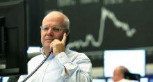 Operador na Bolsa de Valores de Frankfurt, Alemanha