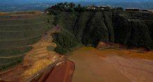 Vista aérea de barragem de rejeitos da Vale que se rompeu em Brumadinho (MG)
