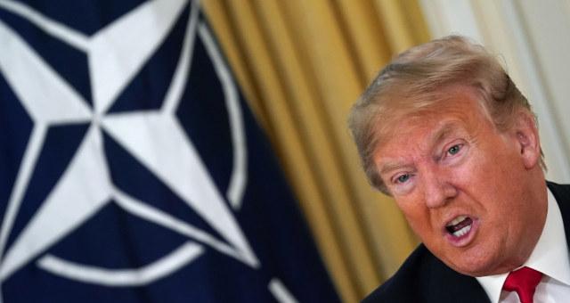 EUA Donald Trump Otan Bandeira