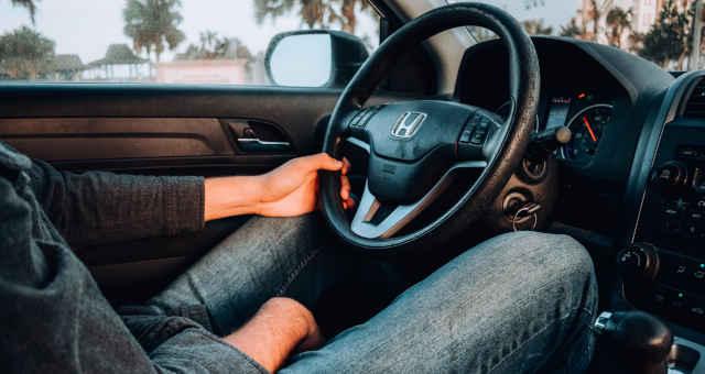carro veículo direção volante pessoa