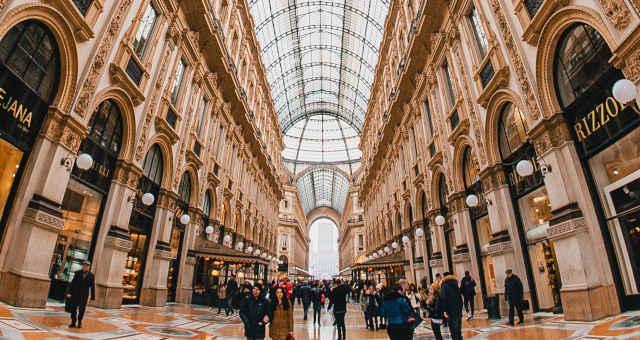 Shoppings Shopping Centers Milão Itália Europa Turismo Consumidor Consumo