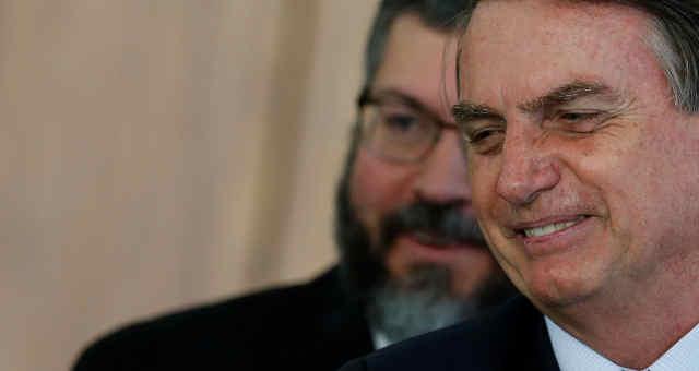 Presidente Jair Bolsonaro e chanceler Ernesto Araújo