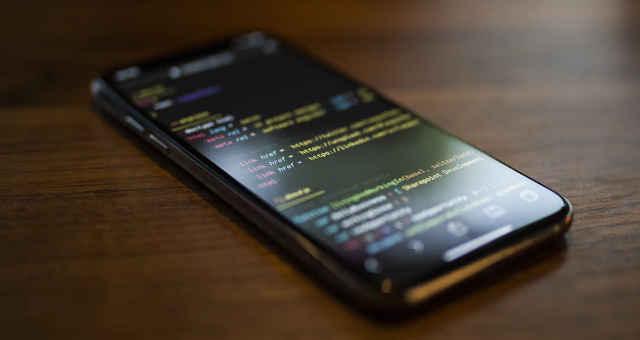 código hacker programação invasão celular ameaça segurança