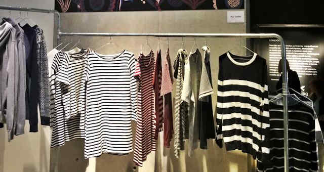 Arara de roupas da Hering