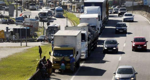Transporte - Greve do caminhoneiro