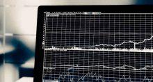 Tela de ações, bolsa, alta, baixa, gráfico, ações, cotações