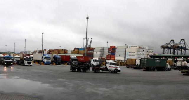 Caminhões Transportes Logística