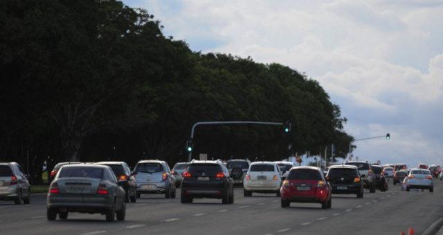 Carros Automóveis Transito