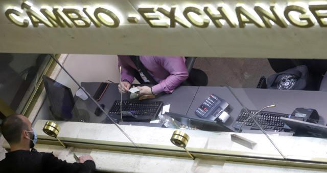 Mercados Câmbio dólar real libra euro