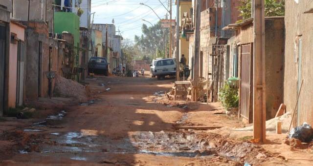 Saneamento Básico Periferia Pobreza América Latina
