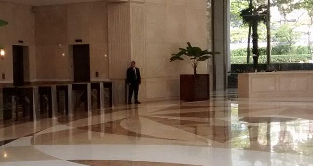Entrada do edifício Corporate Park