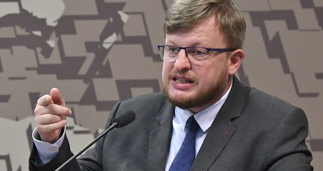 Subsecretário de Política Macroeconômica Vladimir Kuhl Teles deixa ...