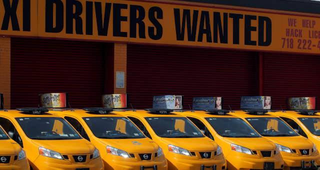 Táxis Transportes Serviços