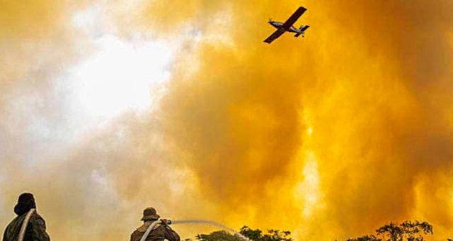 Fogo Avião Incêndio Pantanal
