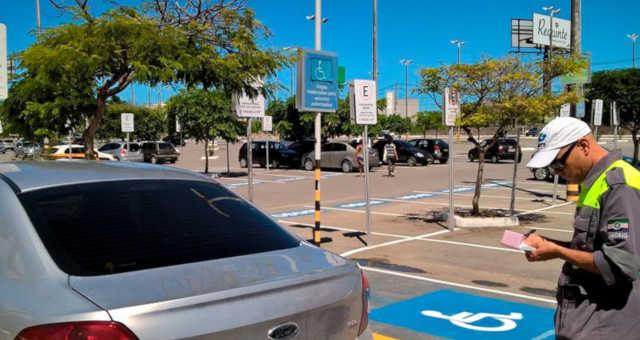 Estacionamento Carro