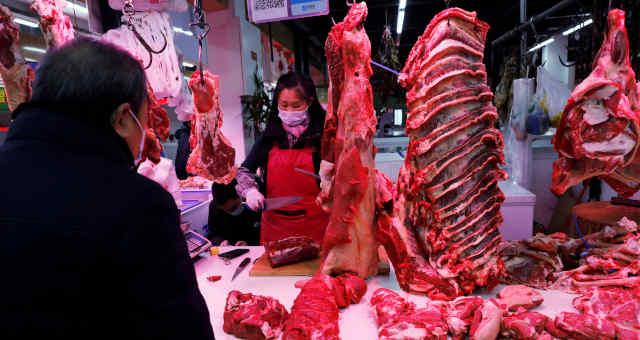 Açougue em Pequin, na China; importações de carne do país atingiram recorde em 2020