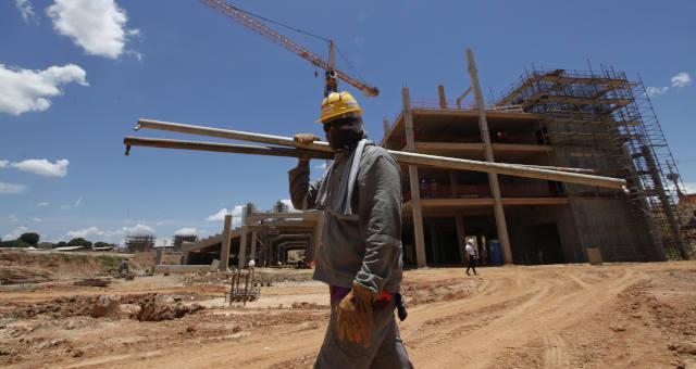 Construção do estádio Arena Pantanal