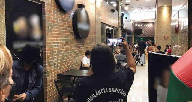 Polícia Federal e Vigilância Sanitária multam bares do Distrito Federal por festas no Carnaval