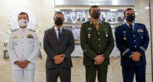 Almir Garnier, do Exército, general Paulo Sergio Nogueira de Oliveira, e da Força Aérea, brigadeiro Carlos de Almeida Baptista Junior