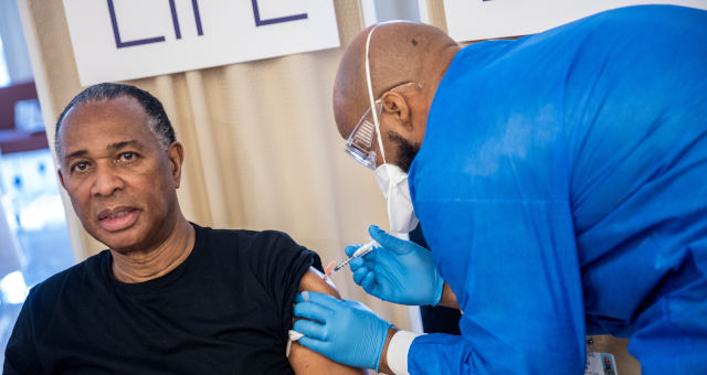 EUA, Vacinas