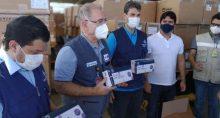 Marcelo Queiroga, ministro da Saúde, entrega kits de testes rápidos de Covid no Maranhão