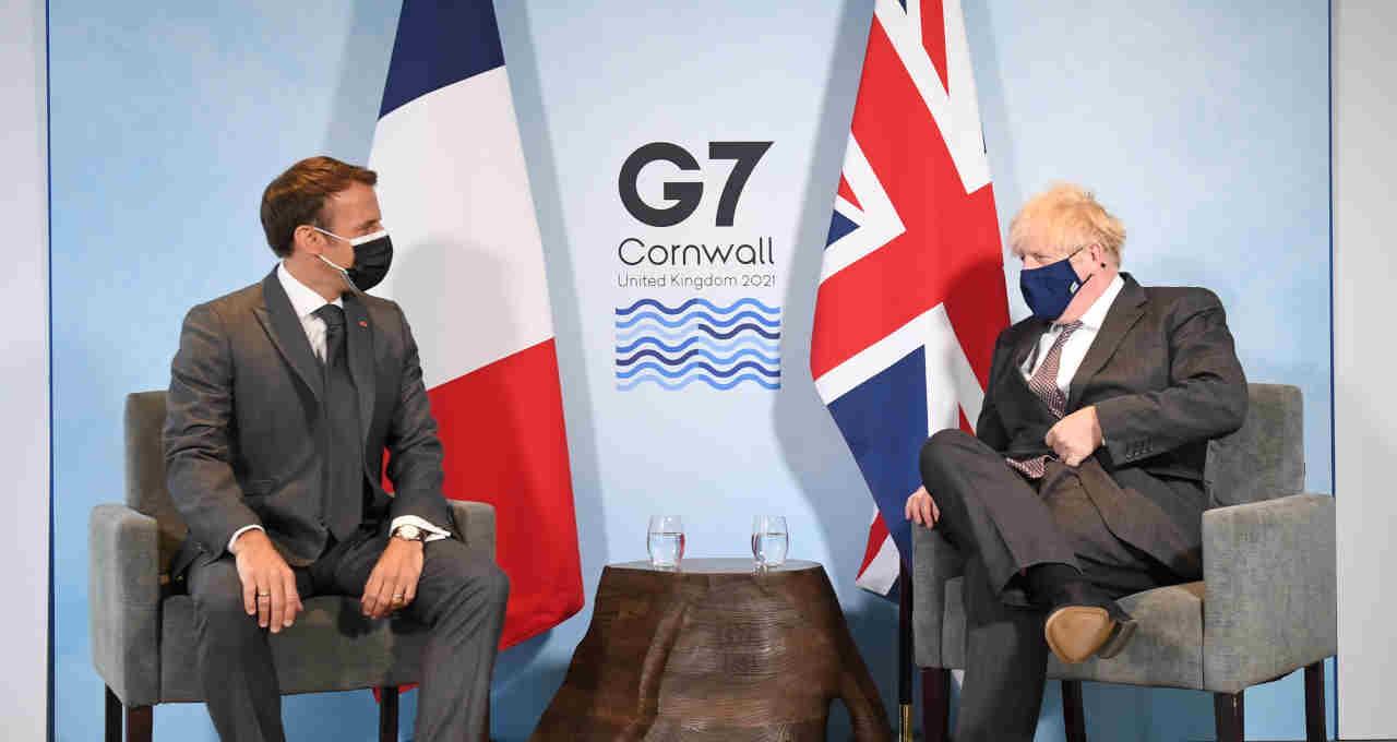 Boris Johnson,Emmanuel Macron