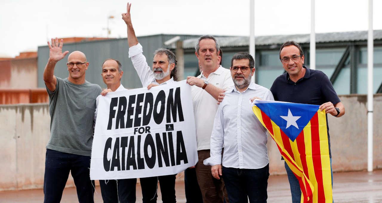 Líderes separatists catalães deixam prisão em Sant Joan de Vilatorrada