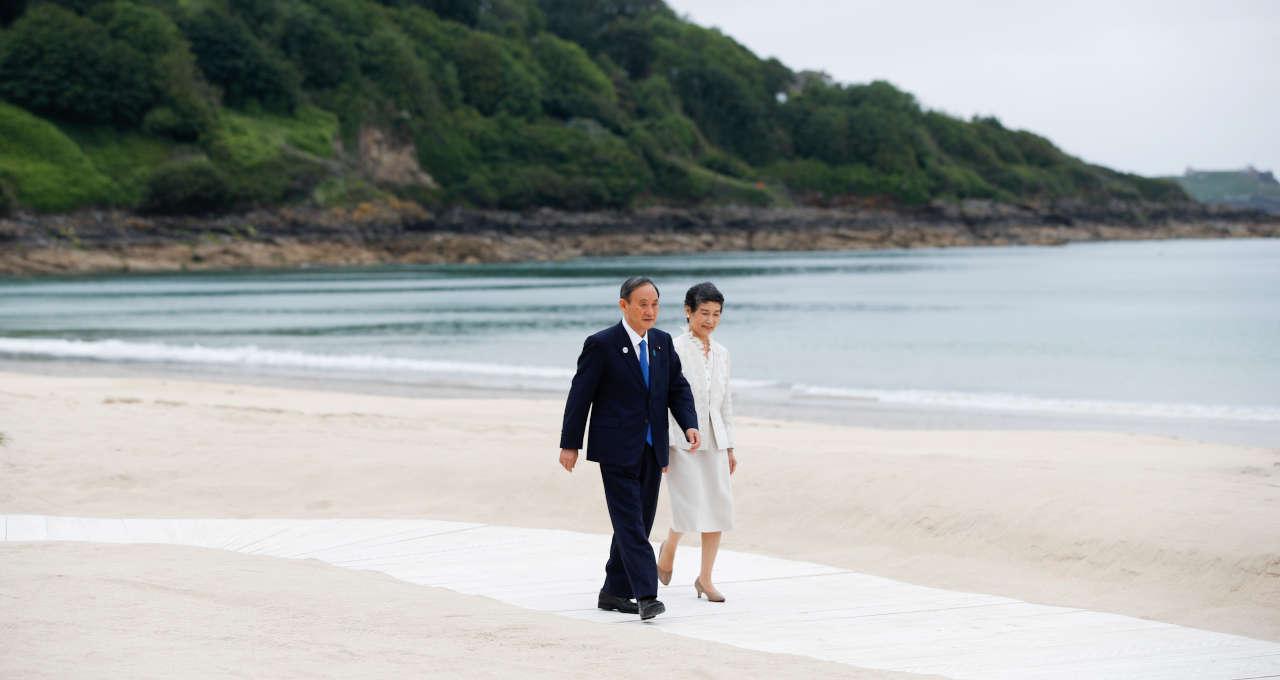 Premiê japonês Suga e a esposa, Mariko Suga