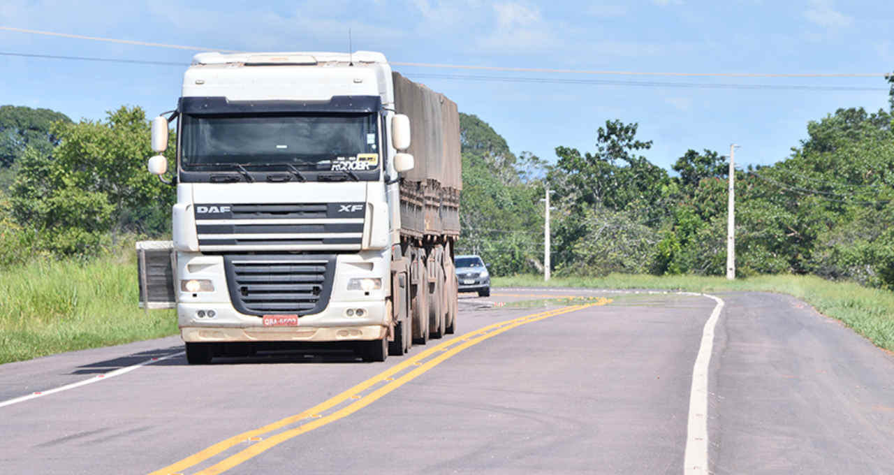 Rodovias Transportes Caminhão