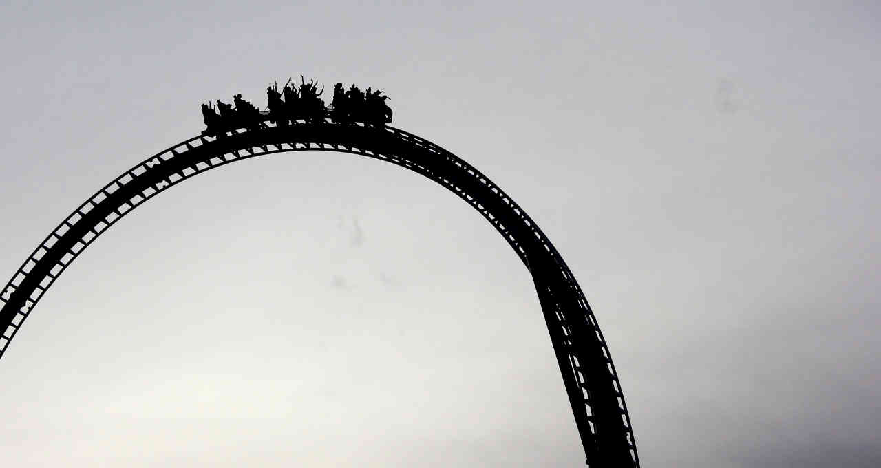 Montanha-russa; queda; baixa; perdas, mercados, investimentos