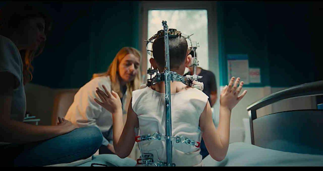 Titane, dirigido por Julia Ducournau e vencedor de Cannes