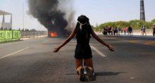 Indígenas protestam contra presidente Bolsonaro