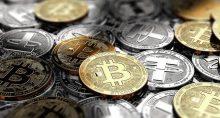 Conjunto de moedas que simbolizam criptomoedas, como o Bitcoin.