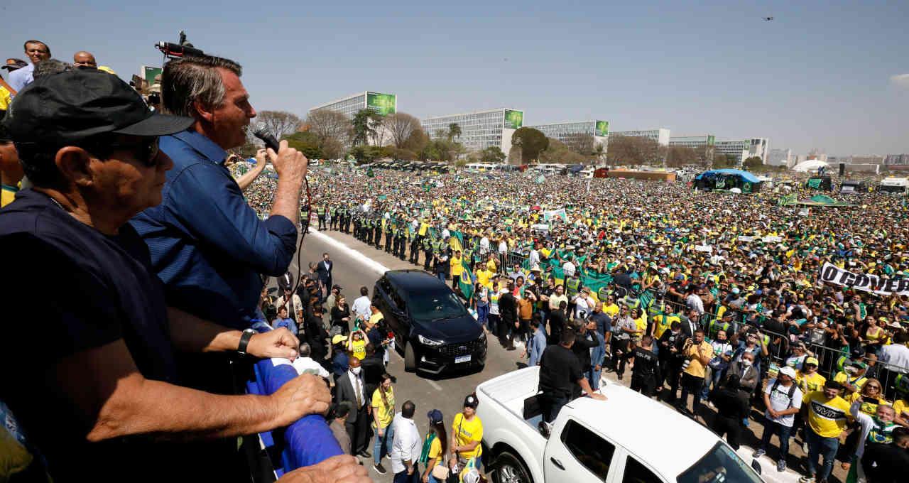 Presidente Jair Bolsonaro discursa para apoiadores em Brasília em 7 de setembro de 2021