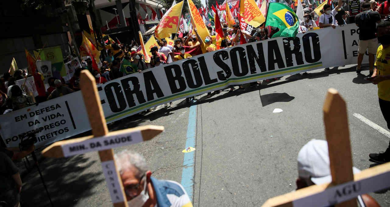 Protesto contra o presidente Jair Bolsonaro no centro do Rio de Janeiro